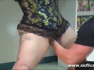 Мужик рукой доводит до оргазма связанную женщину онлайн